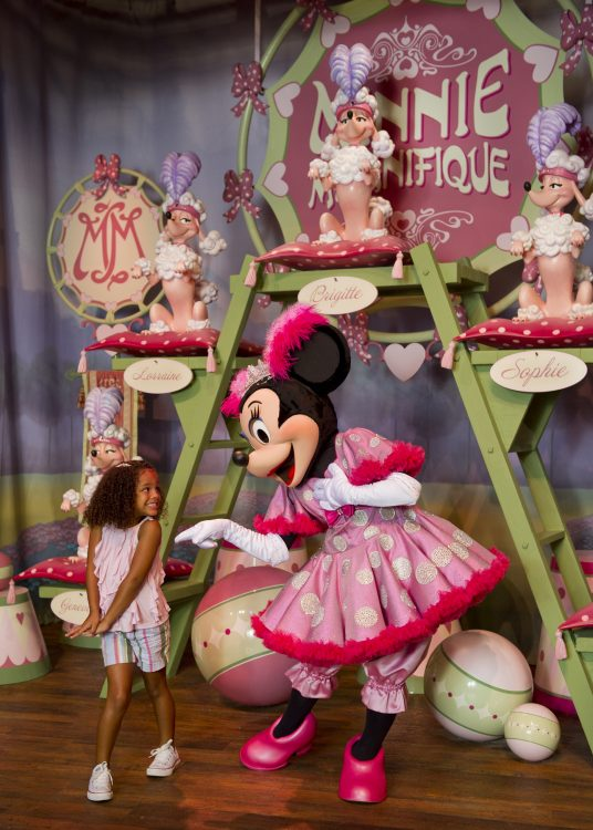 Disney character meet and greets at magic kingdom park walt disney minnie magnifique m4hsunfo