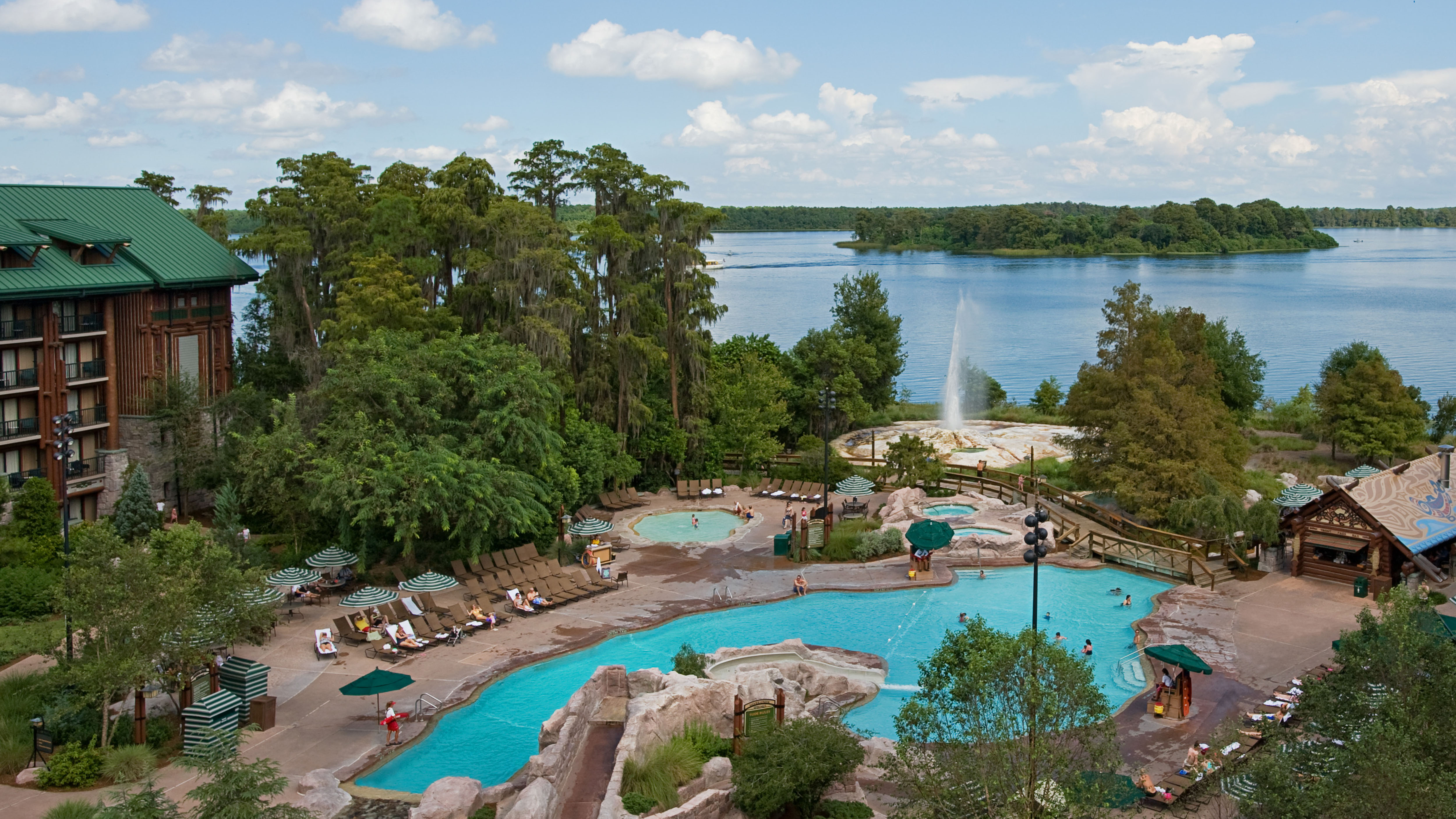 Photo of Wilderness Lodge Resort, one of the most spread out Disney Moderate resorts.
