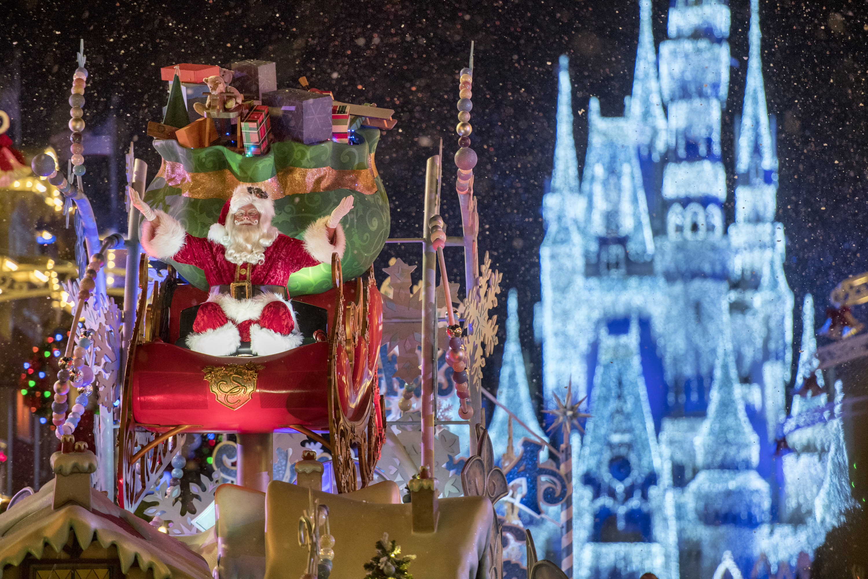 discover even more magic this holiday season at walt disney world resort walt disney world news - Disney World Christmas Decorations 2017