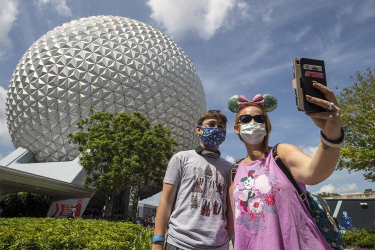 Disney flexibiliza uso de máscaras pela primeira vez