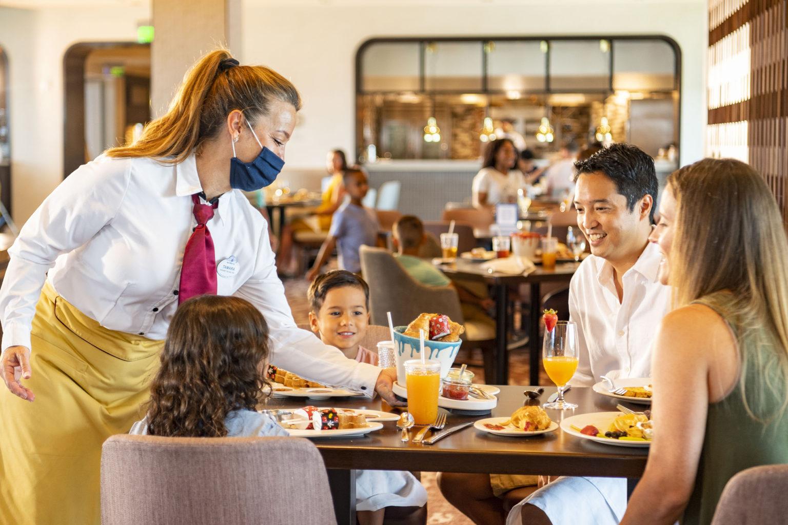 Esta imagem possuí um atributo alt vazio; O nome do arquivo é Health-and-Safety-Measures-at-WDW-Restaurants-1536x1024.jpg