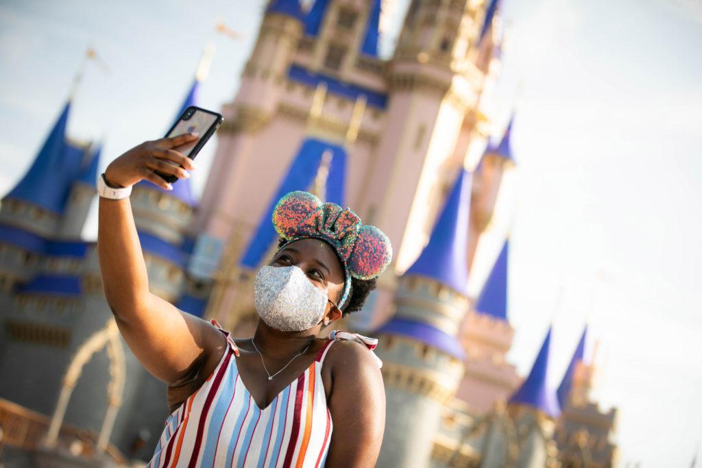 URGENTE: Disney World libera uso de máscaras ao ar livre